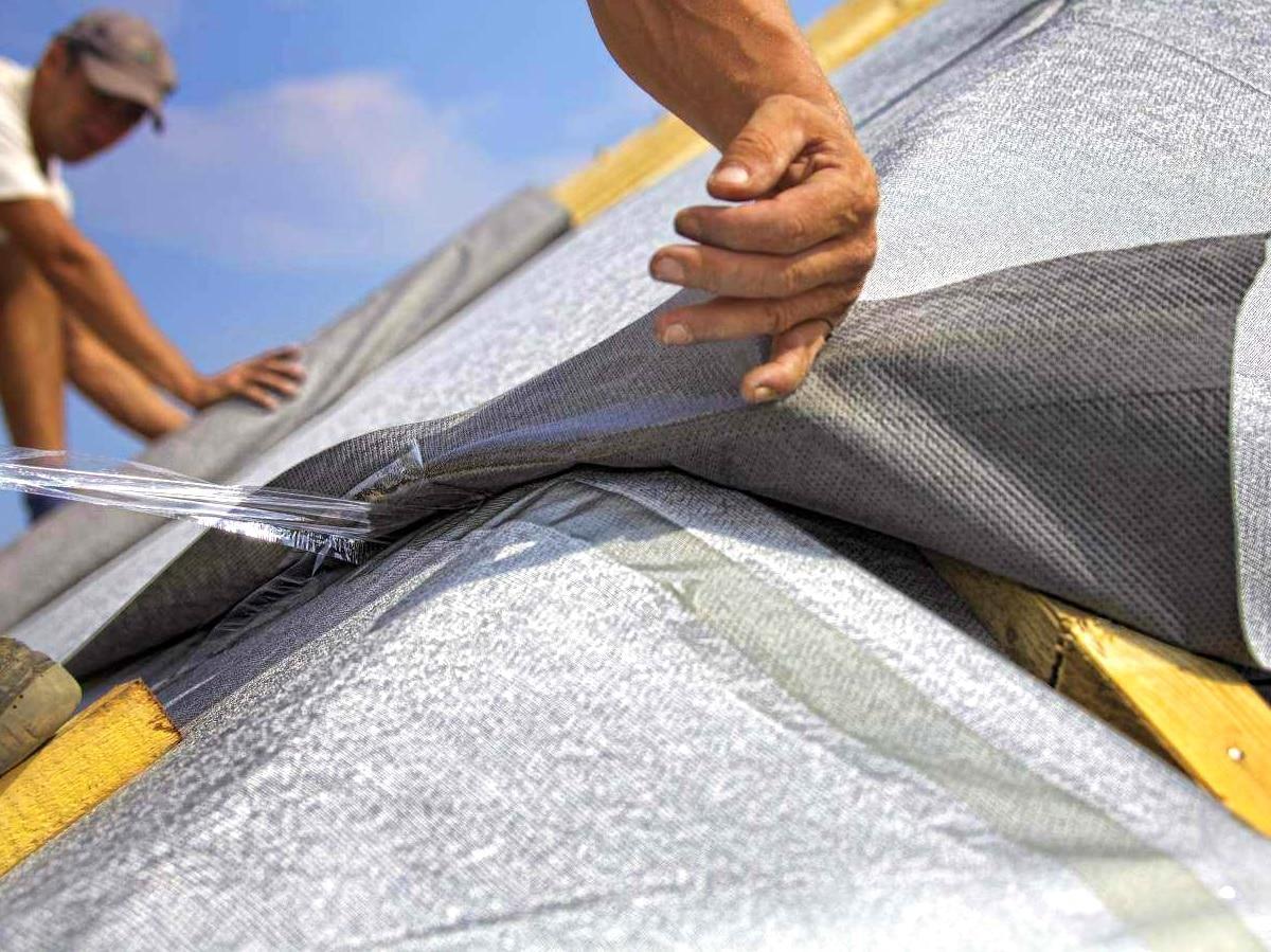 Строительные пленки и подкладочные ковры в Махачкале от компании «Технокровля»